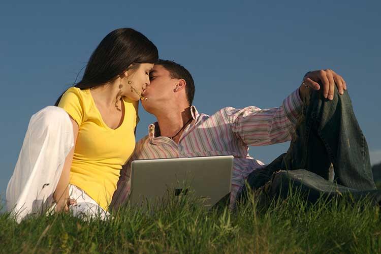 Поцелуй взасос техники и способы советы парням и девушкам